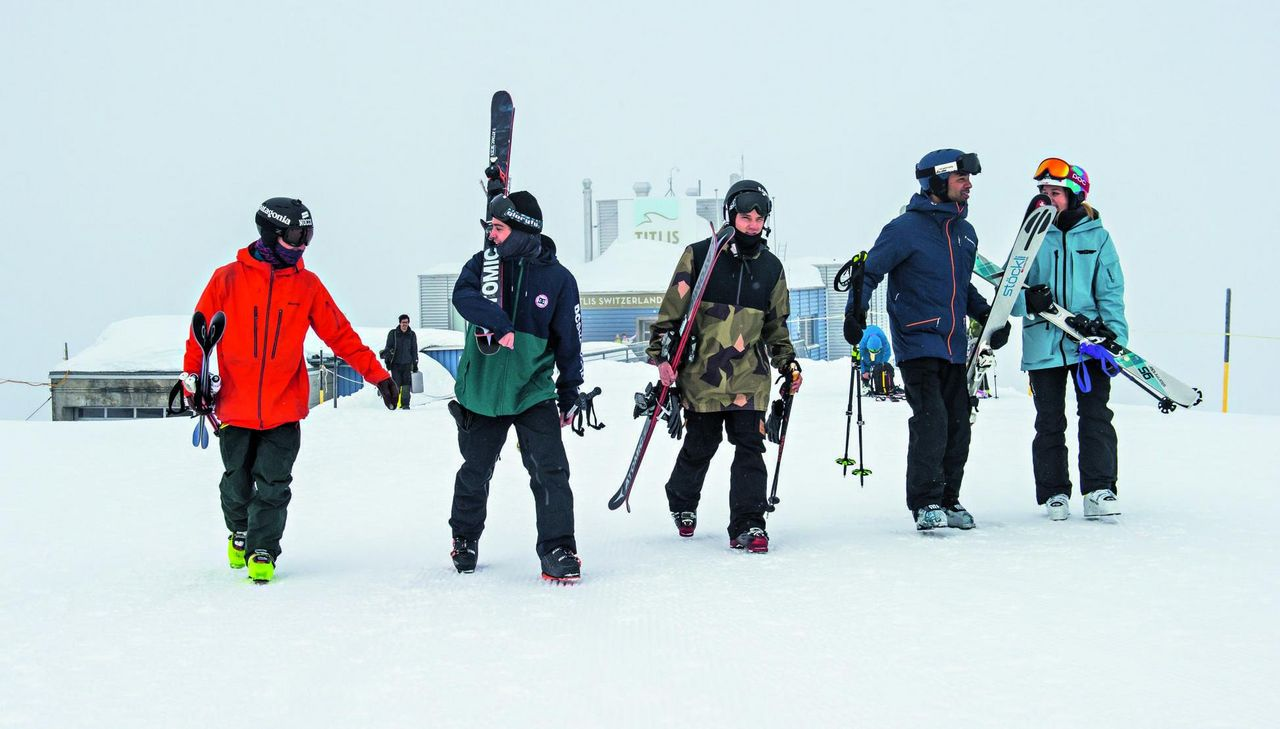 Fabian Bösch and his friends, skiing in Engelberg