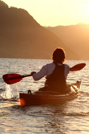 Canoe and kayak tours on Lake Lucerne
