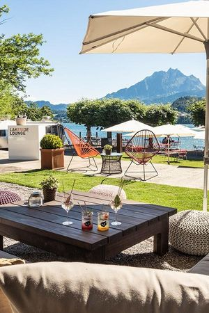 Lakeside Lounge Hermitage