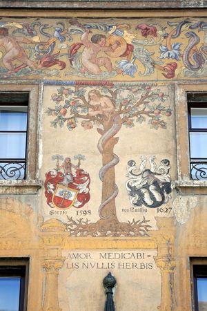 Von Fassaden-Malereien zu Wortspielereien