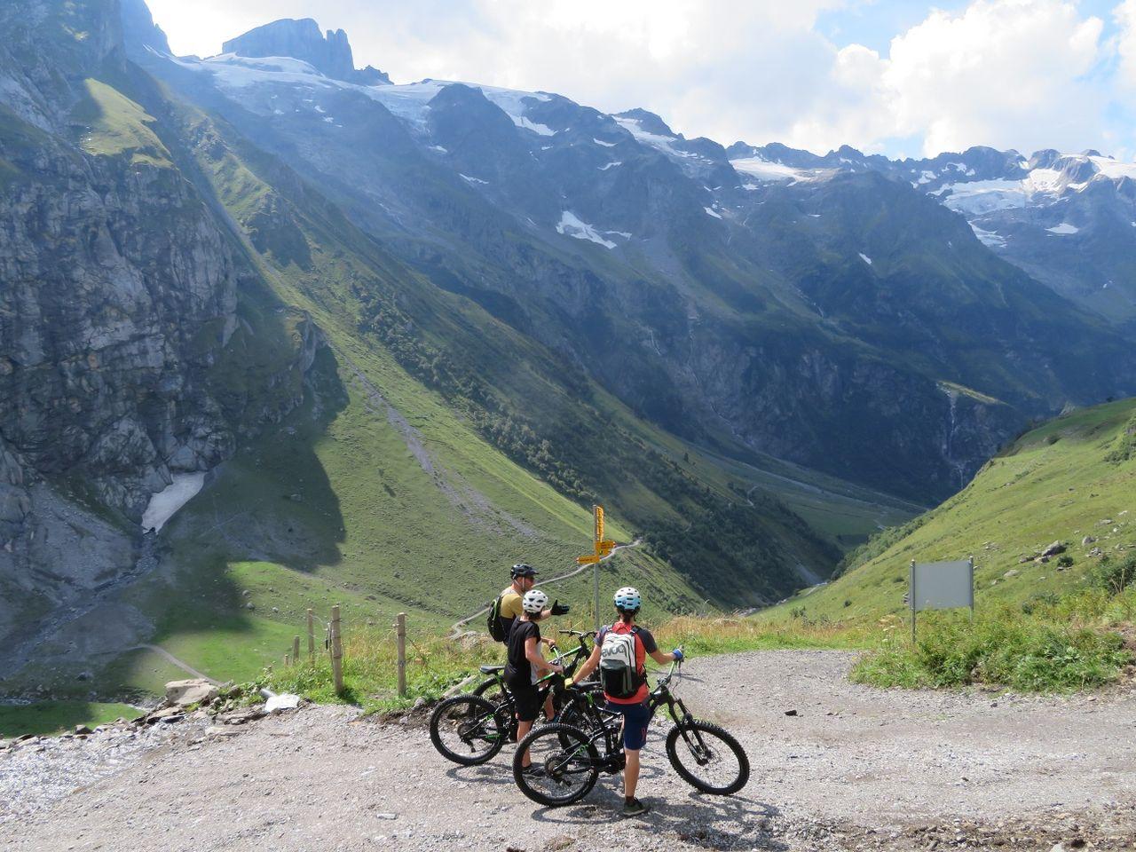 Alpine Cheese Trail by e-bike, Blackenalp section