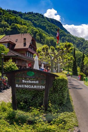 Seehotel Baumgarten, Kehrsiten (May - September)