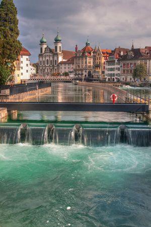 Le barrage à aiguilles Reusswehr