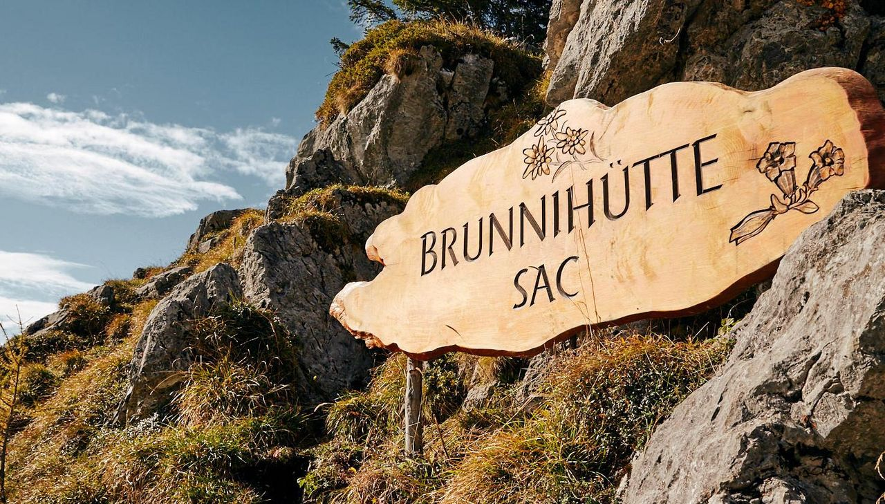 Welcome board Brunnihütte
