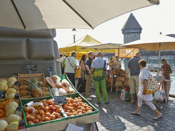*[d] Wochenmarkt Luzern