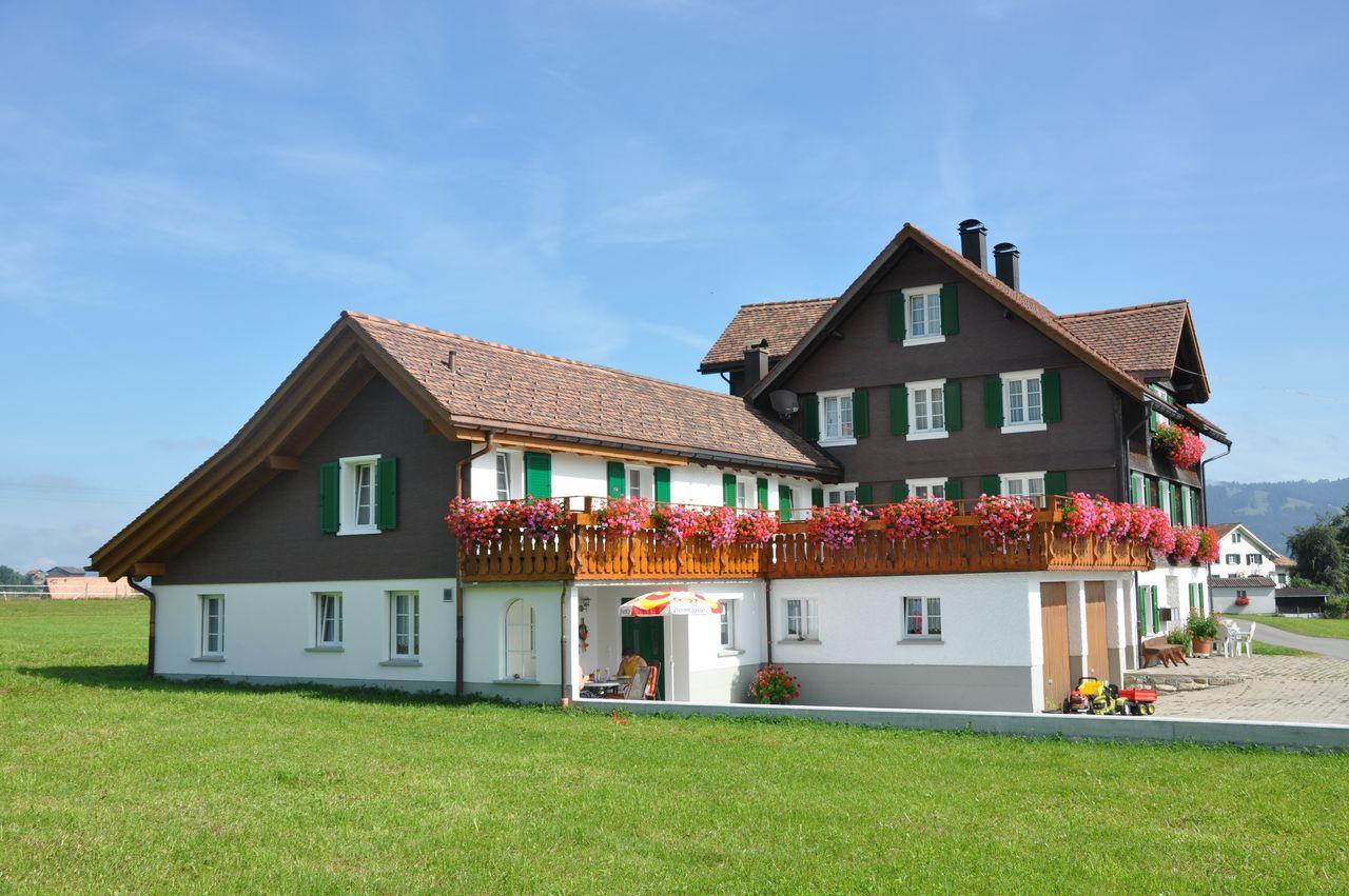 Bauernhaus Lindenhof - Gross