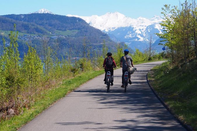 Lucerne-Nidwald: itinéraire à vélo le long du lac