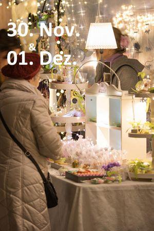 Weihnachtsmarkt am See - Brunnen
