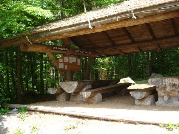 Acheriwald beim Forstgebäude