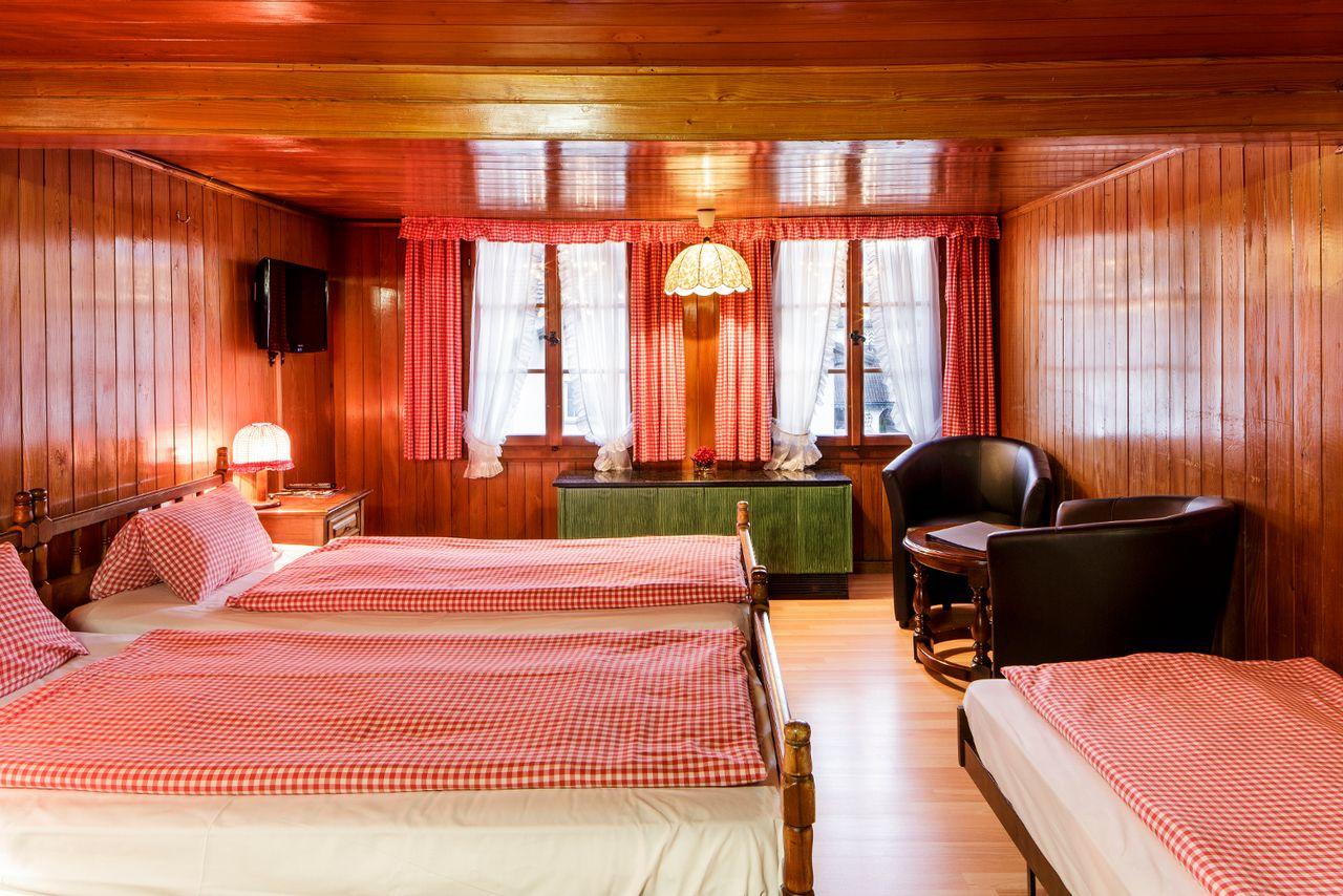 Swiss Chalet Lodge