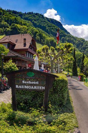 Seehotel Baumgarten, Kehrsiten (Mai - September)
