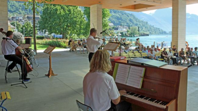 Gästeapéro mit Konzert