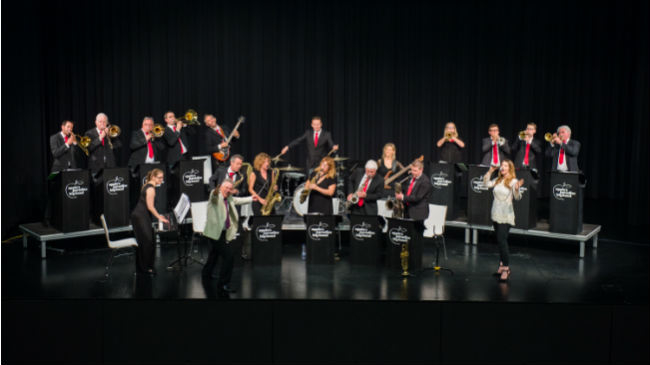 Concert by the Apple`s Paradise  Big Band