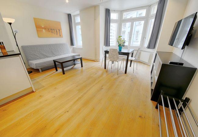 LU Mozart V - City HITrental Apartment