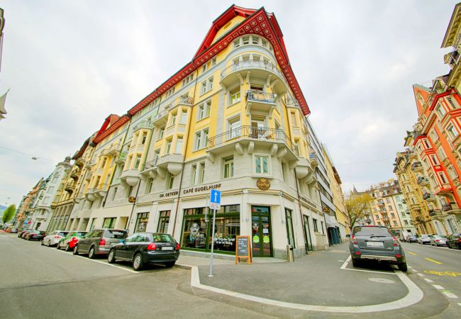 LU Mozart II - City HITrental Apartment
