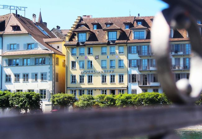 LU Uranus l - Chapel Bridge HITrental Apartment