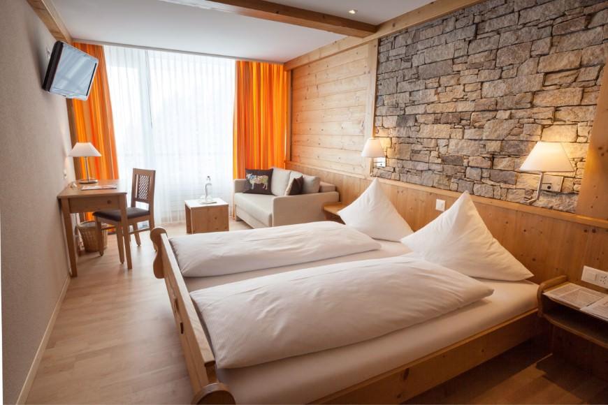 Zweibettzimmer/Zustellbett Du/WC, HP, Berghotel Trübsee