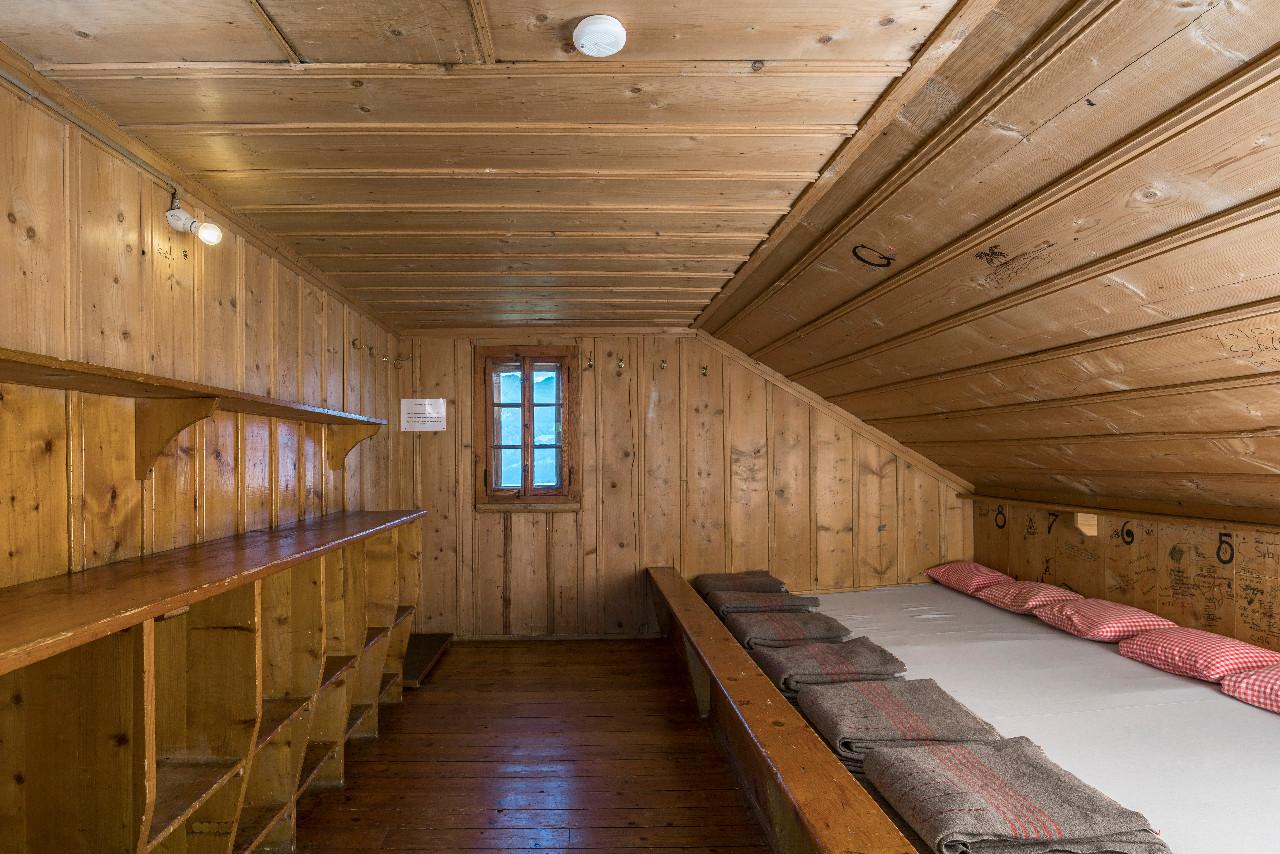 Ferien-Lagerhaus Sonnenhütte (Uto Haus) - Ibergeregg
