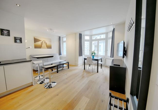 LU Mozart III - City HITrental Apartment