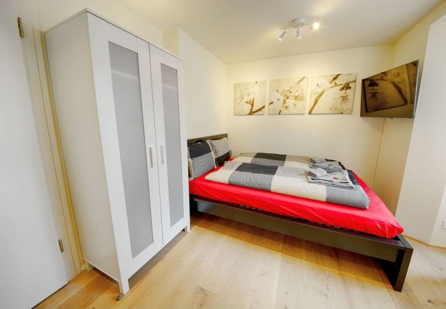 LU Vivaldi II - City HITrental Apartment