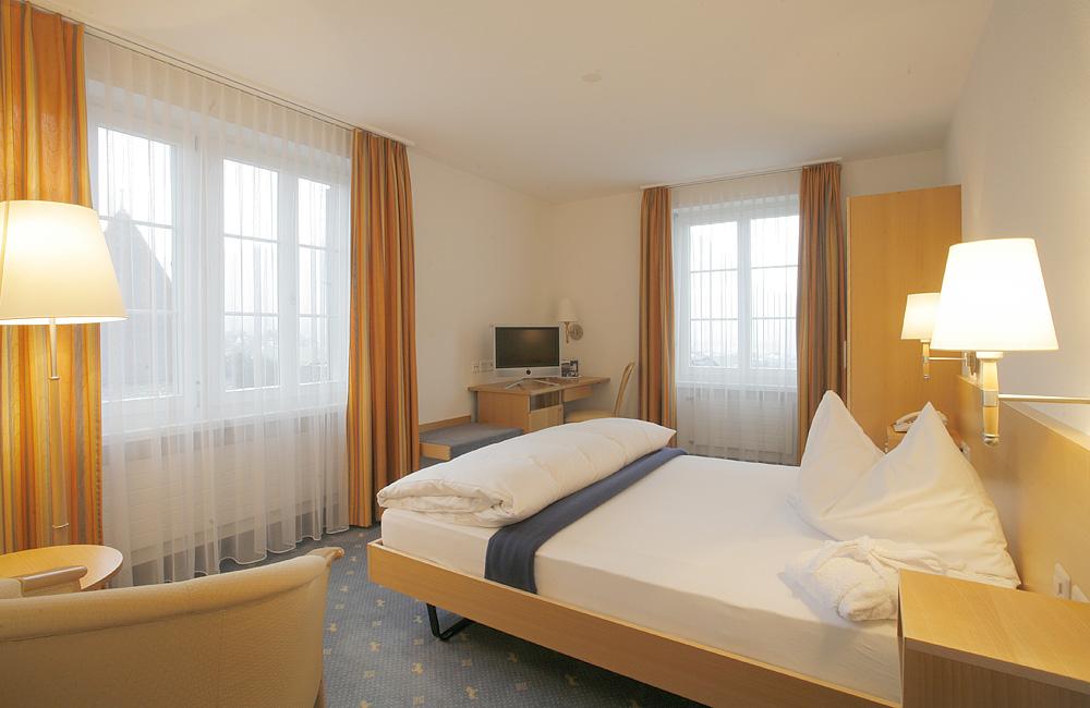Hotel Wysses Rössli - Schwyz