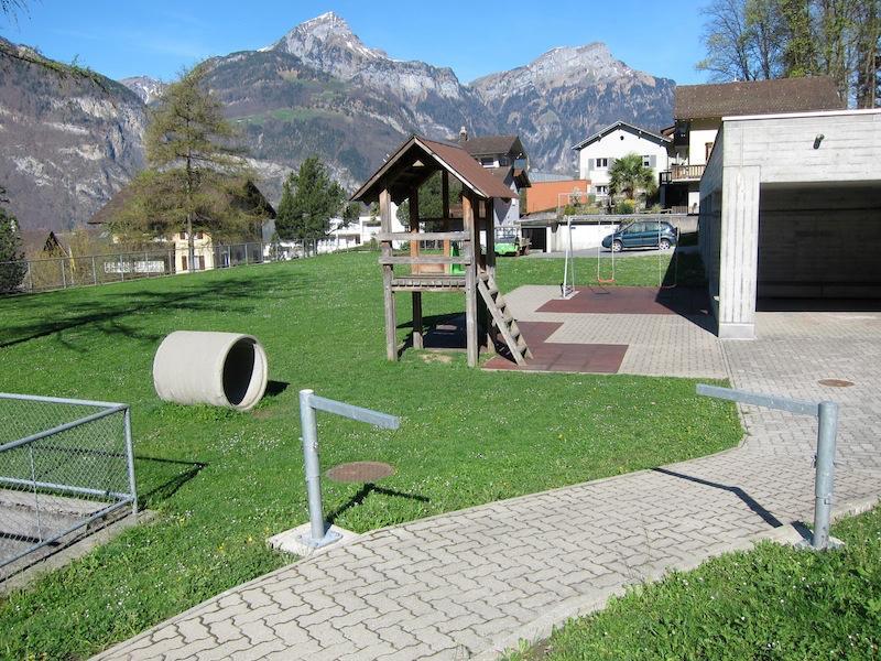 Pausenplatz Flüelen Schulanlage