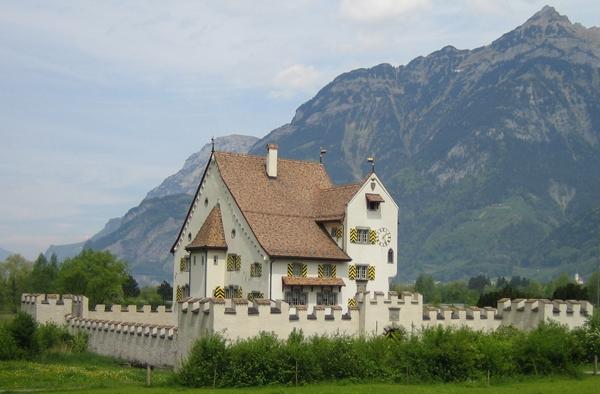 Auf dem Weg der Schweiz in Flüelen