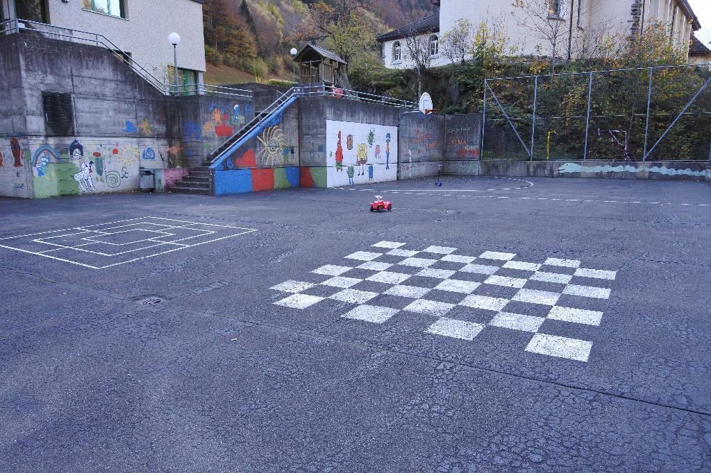 Spielplatz Bristen beim Schulhaus