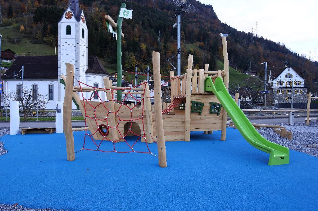 Spielplatz Flüelen Schifflände
