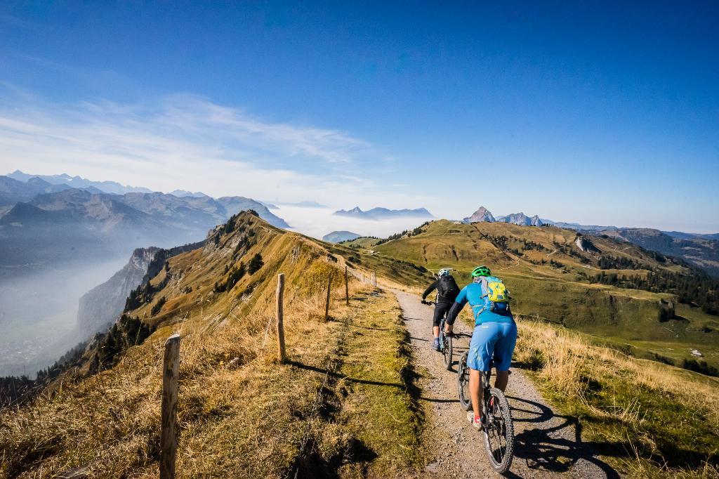 Mythen region - Hoch-Ybrig cableway tour