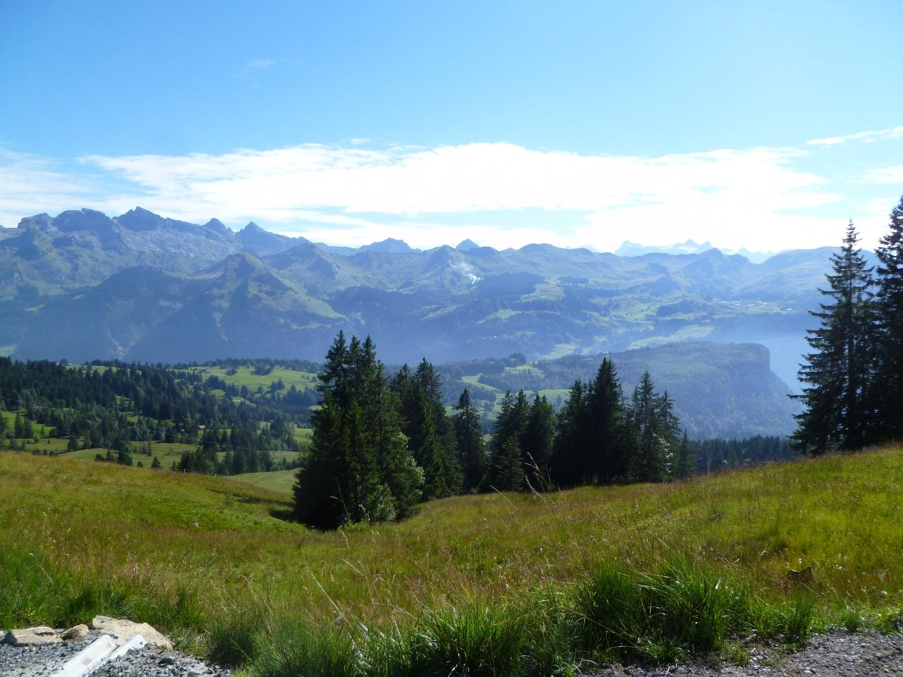 Wanderung durch die Moorwälder in der Ibergeregg