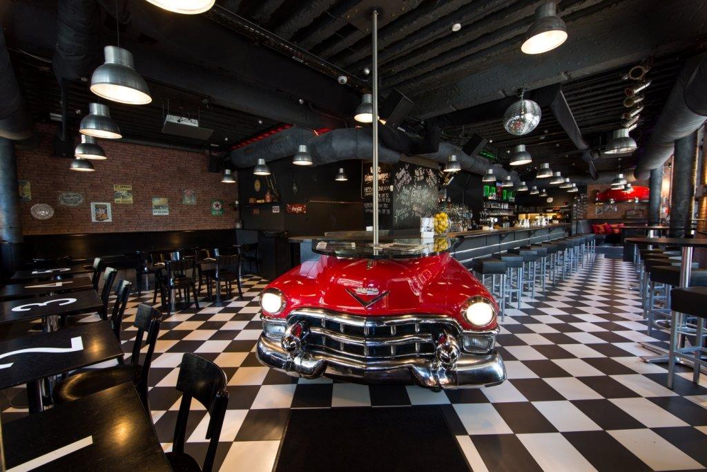 Restaurant & Car-Bar Max